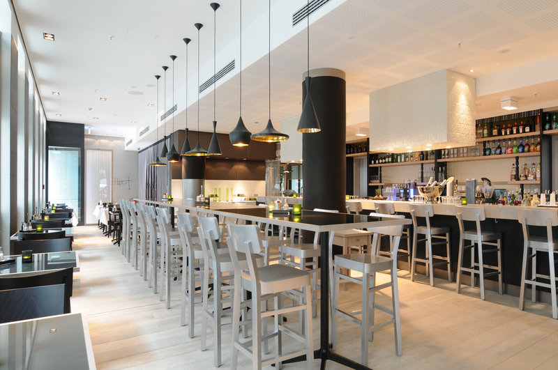 Hotel Indigo Berlin Centre Alexanderplatz-White 5 Bar, ideal for meeting up with colleagues and friends<br/>Image from Leonardo