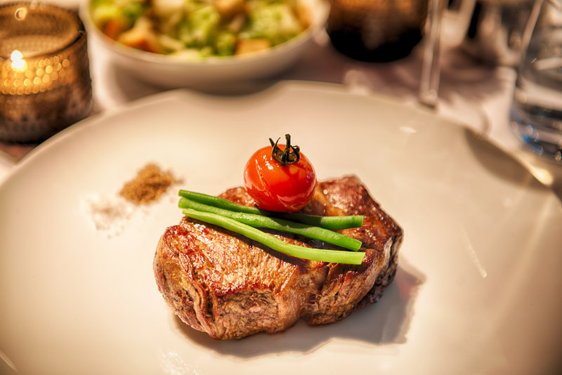 Hotel Indigo Berlin Centre Alexanderplatz-We'll prepare your steak just the way you like it.<br/>Image from Leonardo