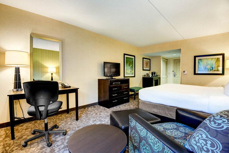 Holiday Inn Express Neptune-King Bed Room<br/>Image from Leonardo