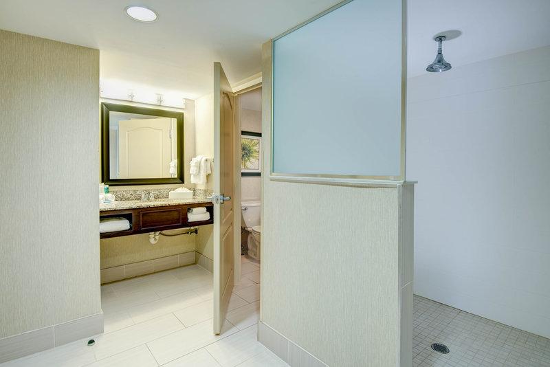 Holiday Inn Express Neptune-King Suite Bathroom<br/>Image from Leonardo