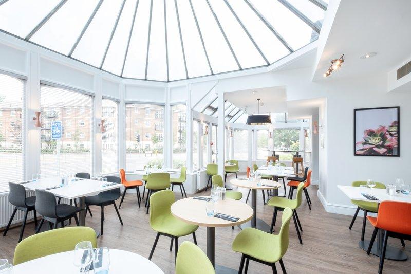 Holiday Inn Farnborough-Restaurant<br/>Image from Leonardo