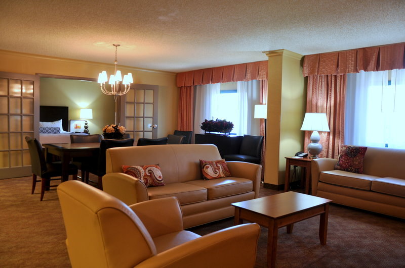 Crowne Plaza Little Rock-Crowne Plaza Downtown Little Rock Presidential Suite<br/>Image from Leonardo