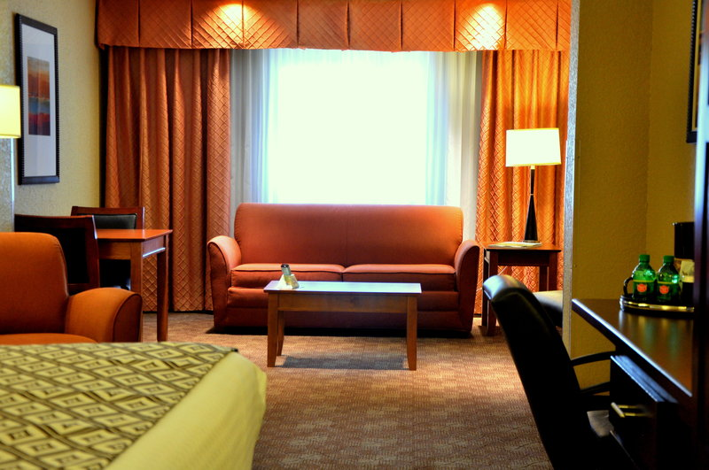 Crowne Plaza Little Rock-Crowne Plaza Downtown Little Rock Executive Suite<br/>Image from Leonardo