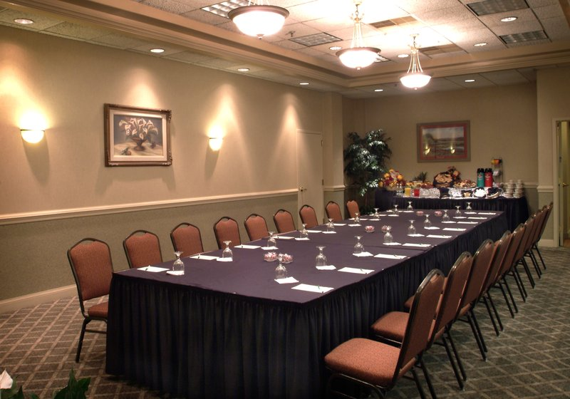 Holiday Inn Utica-Many different set ups available to fit the needs of your event<br/>Image from Leonardo