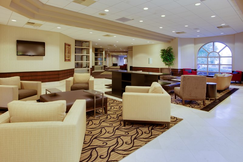 Holiday Inn Utica-Relax with a cup of coffee or freshly baked cookie in our lobby<br/>Image from Leonardo