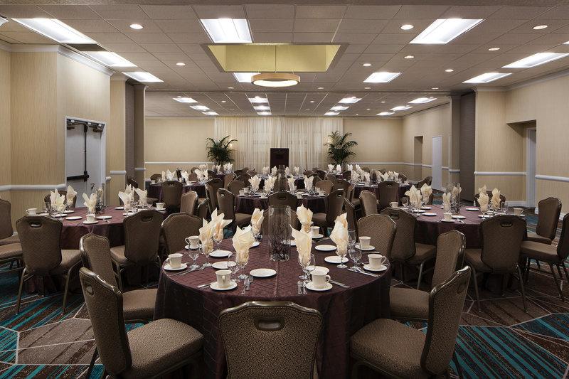 Crowne Plaza Portland - Lake Oswego-Plaza Ballroom Banquet Setup<br/>Image from Leonardo
