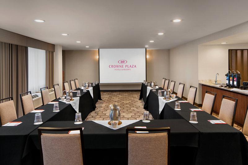 Crowne Plaza Portland - Lake Oswego-Executive Conference Room<br/>Image from Leonardo