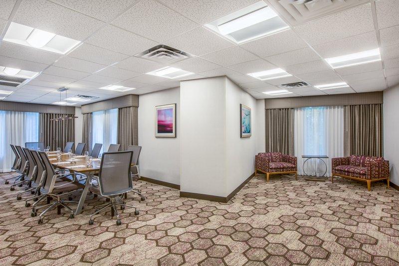 Crowne Plaza Portland - Lake Oswego-Oswego Boardroom<br/>Image from Leonardo