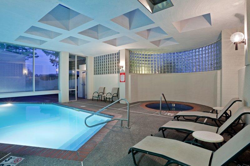 Crowne Plaza Portland - Lake Oswego-Indoor/Outdoor Pool & Spa <br/>Image from Leonardo