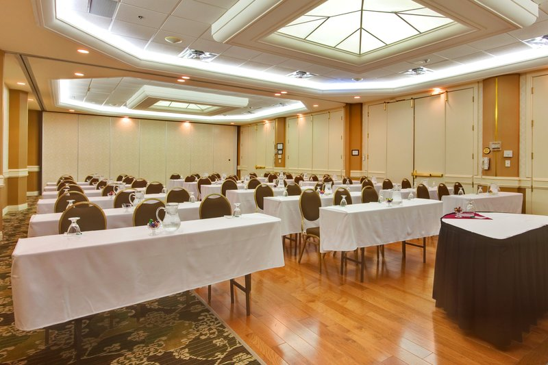 Holiday Inn Hotel & Suites Oakville @ Bronte-The Royal Ballroom, 1350 Sq. Ft. of Elegant Meeting Space<br/>Image from Leonardo