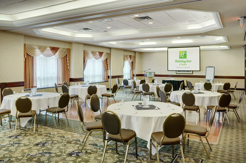 Holiday Inn Hotel & Suites Oakville @ Bronte-Halton Ballroom 1700 Sq. Ft. with Natural Light on the Main Level<br/>Image from Leonardo