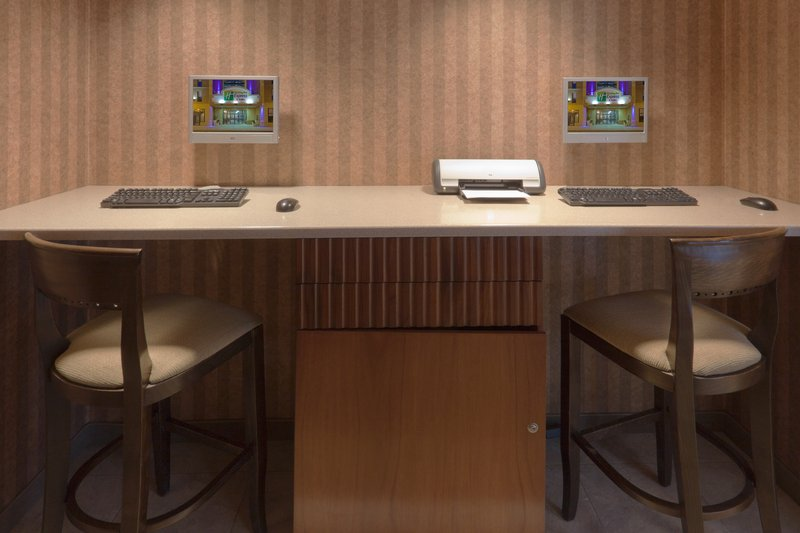 Holiday Inn Express & Suites Deadwood - Gold Dust Casino-Business Center <br/>Image from Leonardo