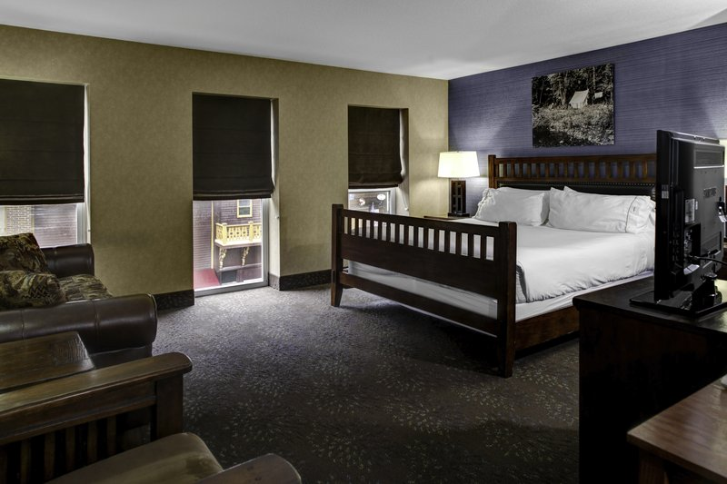 Holiday Inn Express & Suites Deadwood - Gold Dust Casino-King Size Guest Room at Deadwood Hotel - Holiday Inn Express<br/>Image from Leonardo