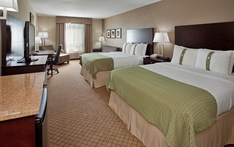 Holiday Inn Hotel & Suites Kamloops-2 Queen Beds with Sofabed Guestroom<br/>Image from Leonardo