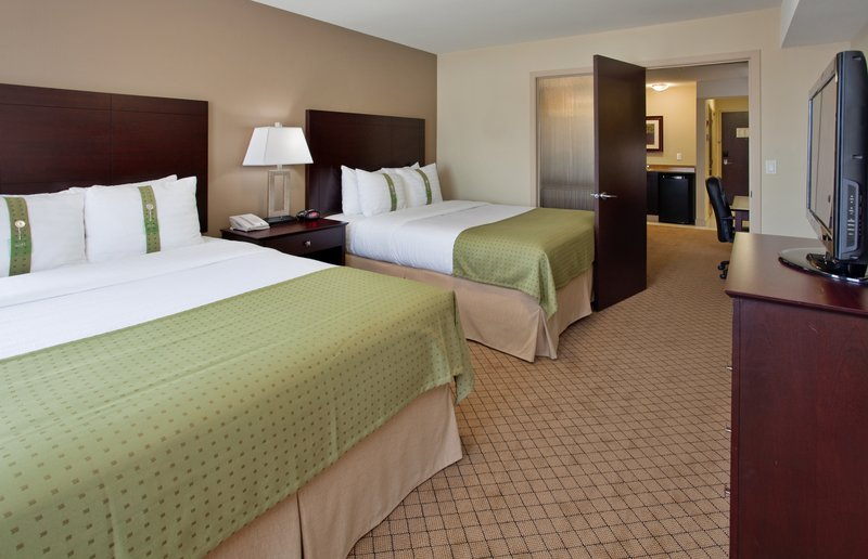 Holiday Inn Hotel & Suites Kamloops-2 Queen Beds Suite with Sofa Bed<br/>Image from Leonardo