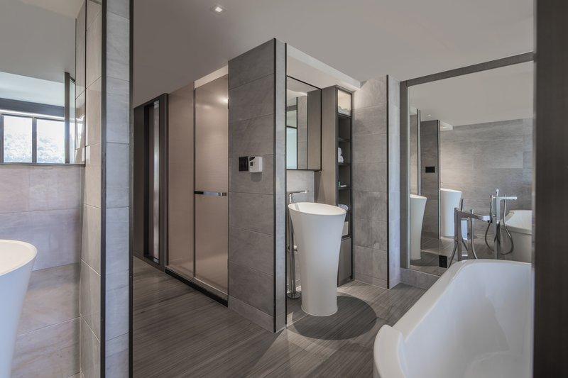 Sheraton Universal Hotel-VIP Suite - Bathroom<br/>Image from Leonardo