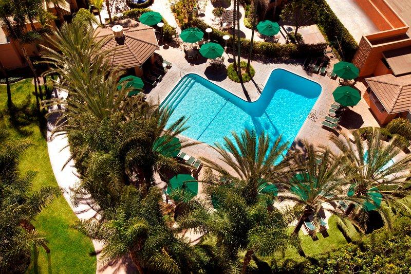 Sheraton Park Hotel-Pool<br/>Image from Leonardo