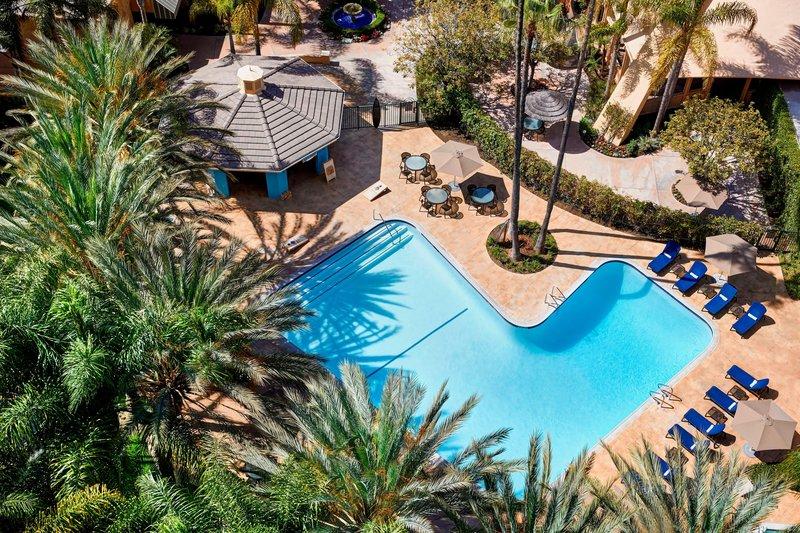 Sheraton Park Hotel-Outdoor Pool<br/>Image from Leonardo