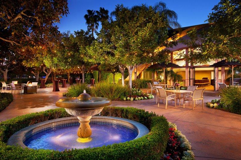 Sheraton Park Hotel-Tiffany Terrace - Reception Setup<br/>Image from Leonardo