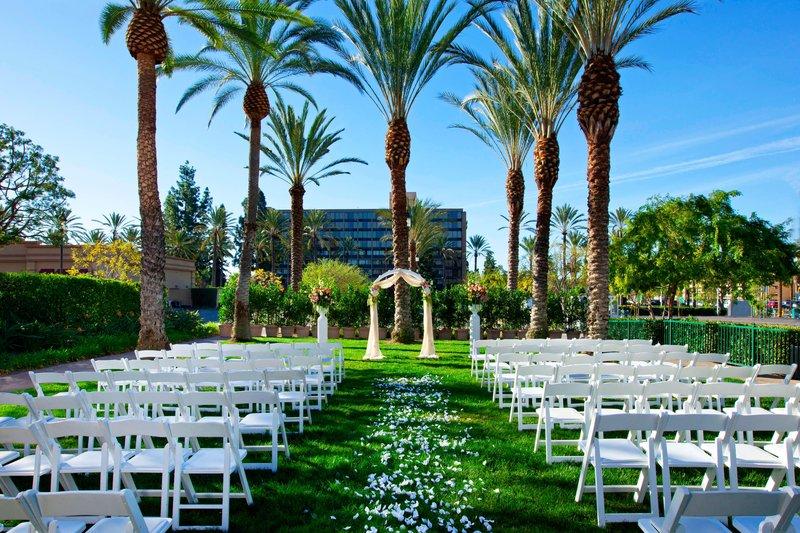 Sheraton Park Hotel-Outdoor Wedding Ceremony<br/>Image from Leonardo