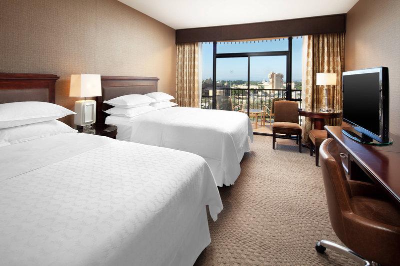 Sheraton Park Hotel-Queen/Queen Standard Guest Room<br/>Image from Leonardo