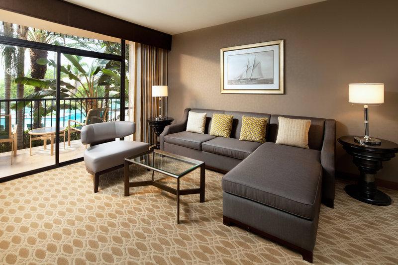 Sheraton Park Hotel-Suite - Parlor<br/>Image from Leonardo