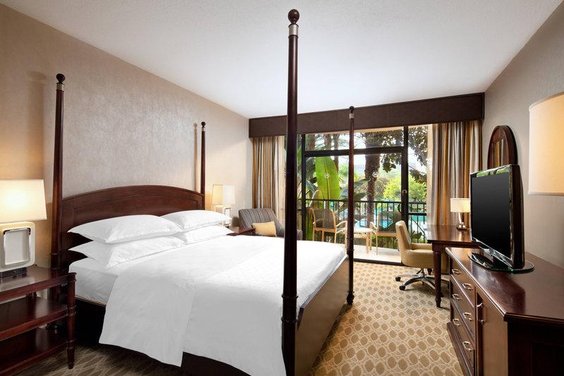 Sheraton Park Hotel-Suite - Bedroom<br/>Image from Leonardo