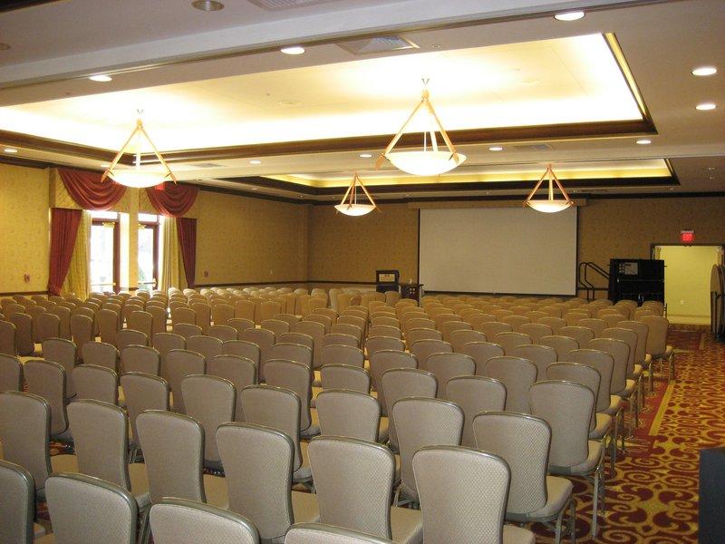 Crowne Plaza Milwaukee West-Meeting Room- Crowne Plaza Milwaukee West<br/>Image from Leonardo