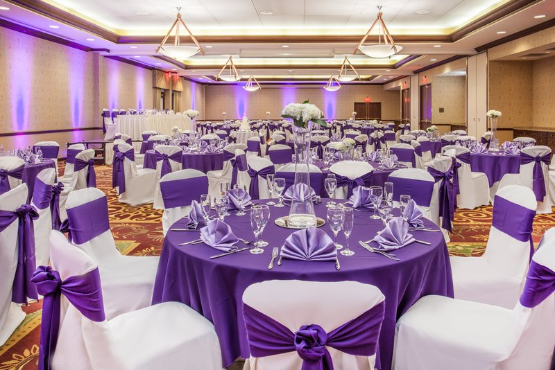 Crowne Plaza Milwaukee West-Ballroom Wedding Side Center<br/>Image from Leonardo