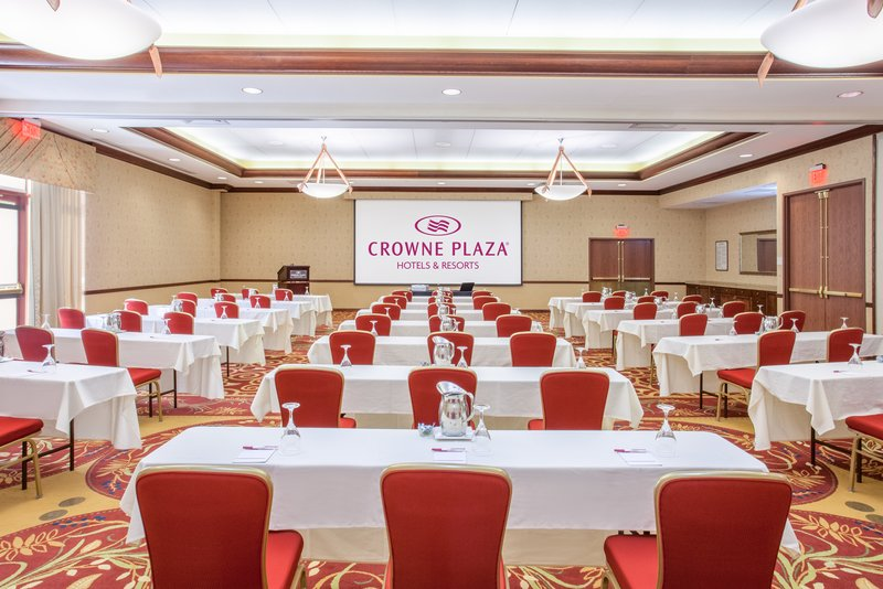 Crowne Plaza Milwaukee West-Warren P Knowles Meeting Room<br/>Image from Leonardo