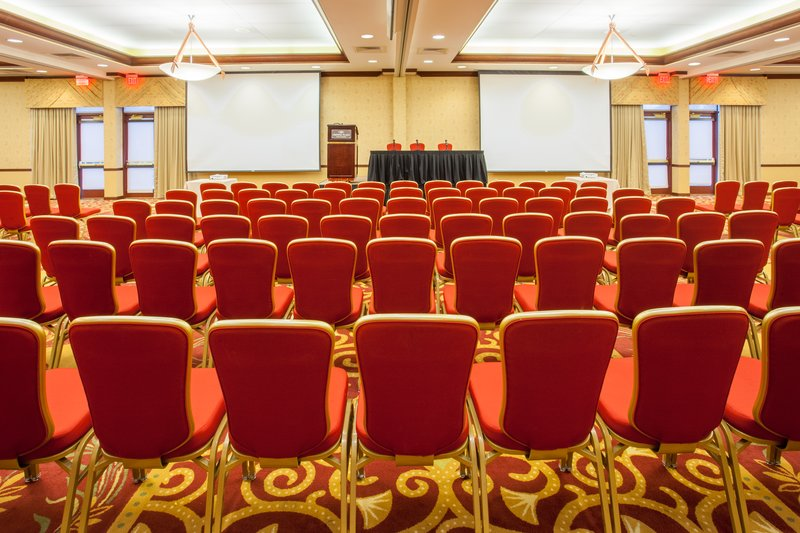 Crowne Plaza Milwaukee West-Meeting Room back center<br/>Image from Leonardo