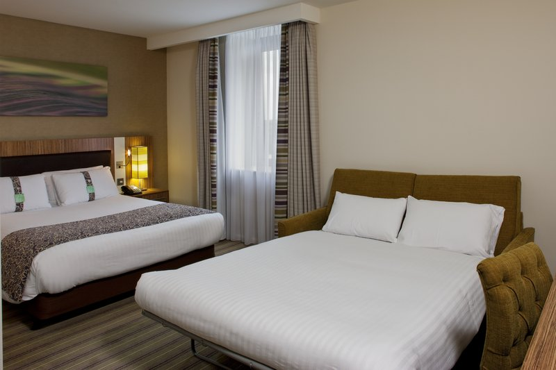 Holiday Inn Stevenage-Family bedroom with double sofa bed<br/>Image from Leonardo