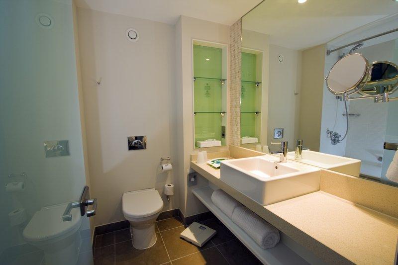 Holiday Inn Stevenage-Guest Bathroom<br/>Image from Leonardo