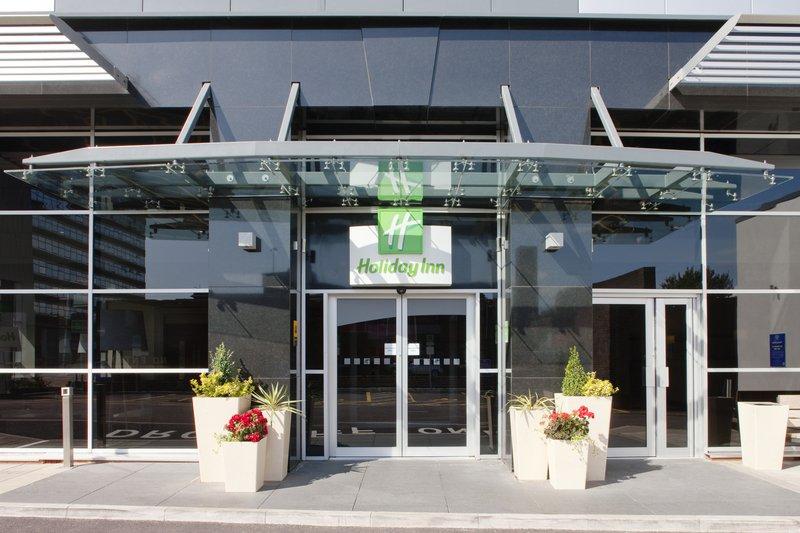 Holiday Inn Stevenage-Inviting entrance<br/>Image from Leonardo