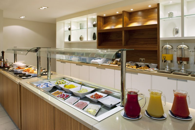 Holiday Inn Stevenage-Extensive hot & cold breakfast buffet<br/>Image from Leonardo