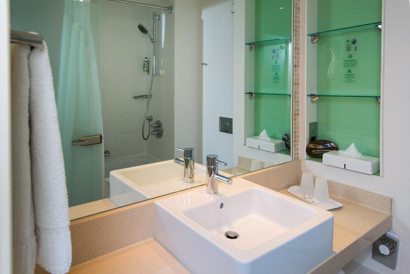 Holiday Inn Stevenage-Bathroom Standard room Shower and Bath<br/>Image from Leonardo
