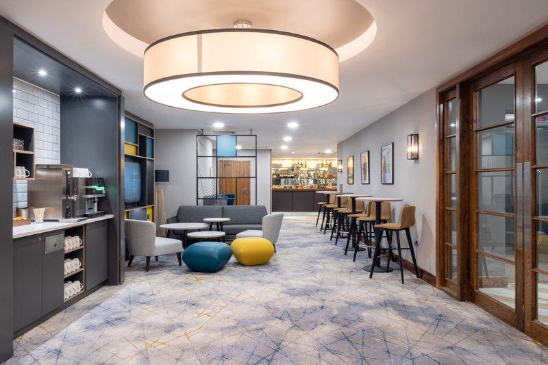 Holiday Inn Stevenage-Hertfordshire Suite breakout area<br/>Image from Leonardo
