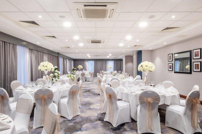 Holiday Inn Stevenage-Hertfordshire Suite Wedding<br/>Image from Leonardo