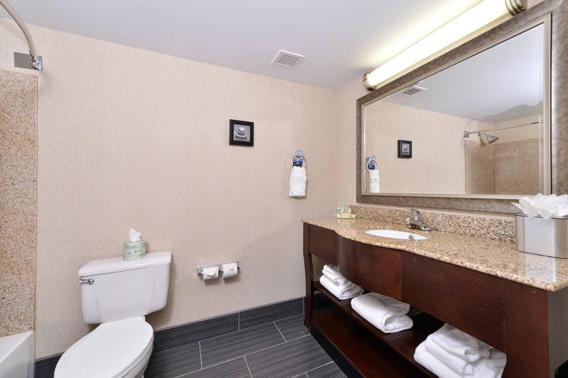 Holiday Inn New London - Mystic Area-Guest Bathroom<br/>Image from Leonardo