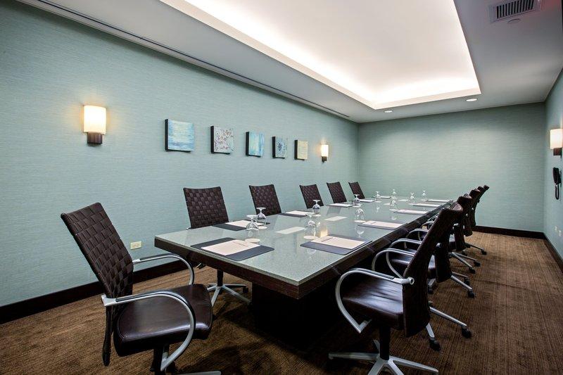 Crowne Plaza Lombard Downers Grove-Boardroom<br/>Image from Leonardo