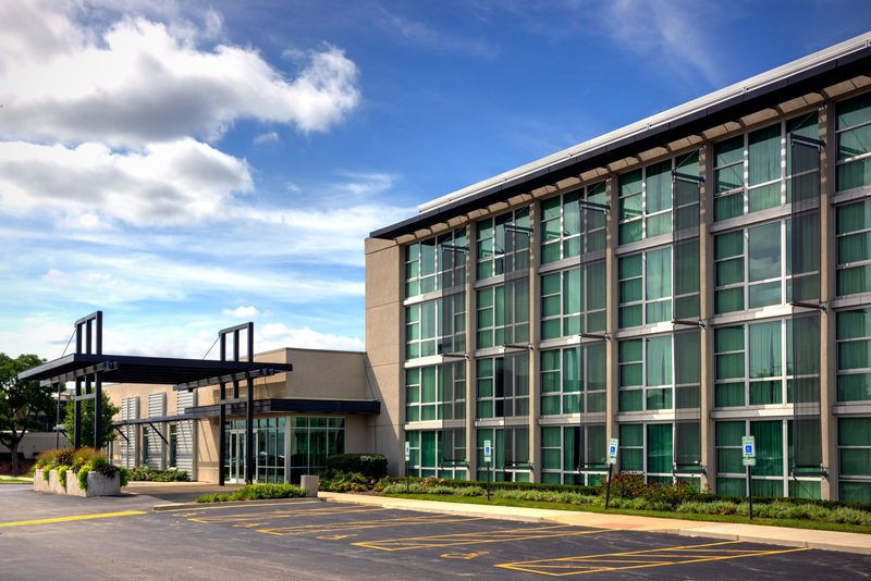 Crowne Plaza Lombard Downers Grove-Hotel Exterior<br/>Image from Leonardo