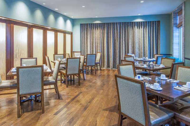 Crowne Plaza Lombard Downers Grove-Private Dining Room<br/>Image from Leonardo