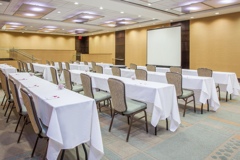 Crowne Plaza Lombard Downers Grove-South Fields Room<br/>Image from Leonardo