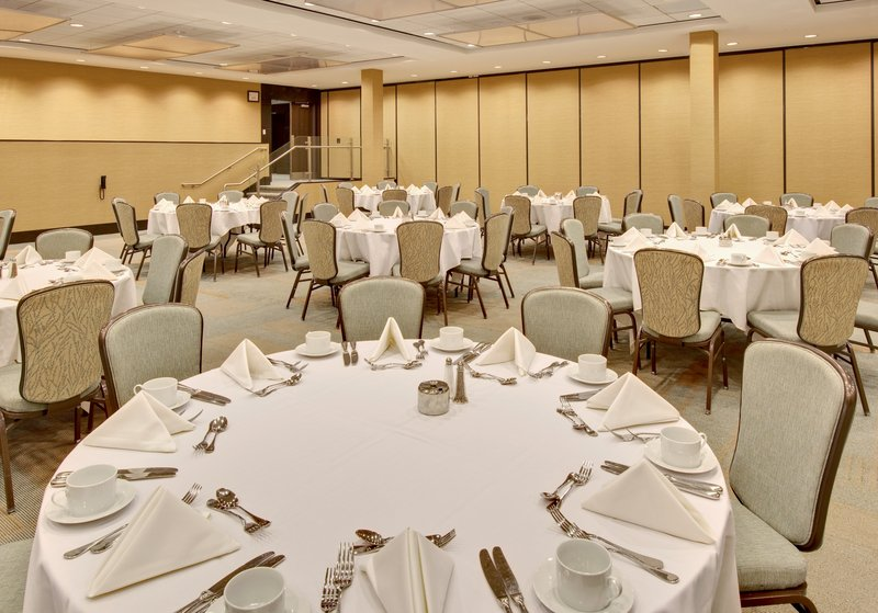 Crowne Plaza Lombard Downers Grove-Ballroom<br/>Image from Leonardo