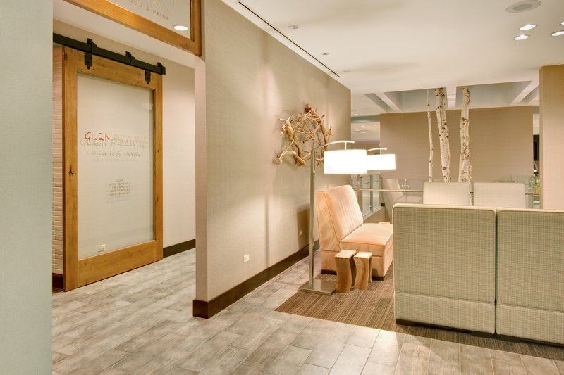 Crowne Plaza Lombard Downers Grove-Lobby Lounge<br/>Image from Leonardo