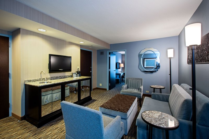 Crowne Plaza Lombard Downers Grove-Spacious King Suite<br/>Image from Leonardo