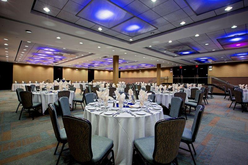 Crowne Plaza Lombard Downers Grove-Fields Ballroom<br/>Image from Leonardo