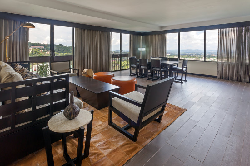 Crowne Plaza San Salvador-Junior Suite<br/>Image from Leonardo