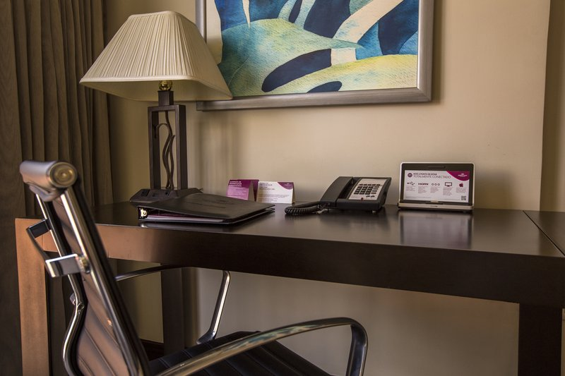 Crowne Plaza San Salvador-Desk with Ergonomic Chair and Connectivity Station<br/>Image from Leonardo