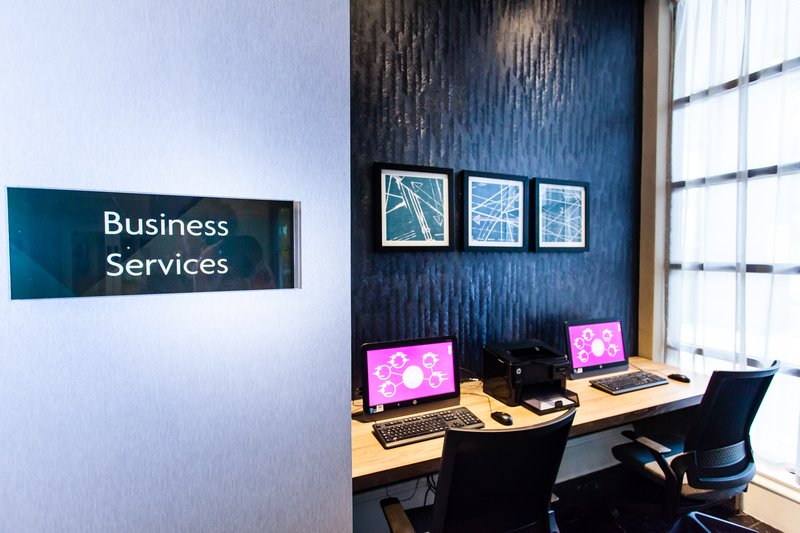 Crowne Plaza Leeds-Business Services<br/>Image from Leonardo